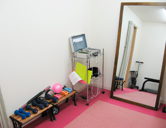 フィットネスワン南草津店の加圧トレーニングルーム